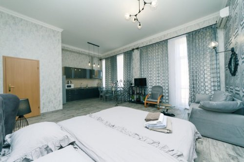 Rent nice 1 room apartment in Kiev at Baseina 12