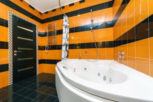 Rent 1 bedroom lux apartment in Kiev at Baseina 17 Ferrari with Jacuzzi