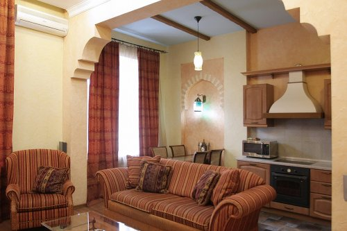 Rent luxury1 bedroom apartment in Kiev at Baseina 5a Morocco style