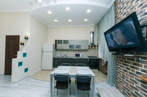 Rent luxury 2 bedroom apartment in Kiev at Baseina 5A