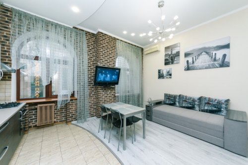 Rent luxury 2 bedroom apartment in Kyiv on Baseina 5A