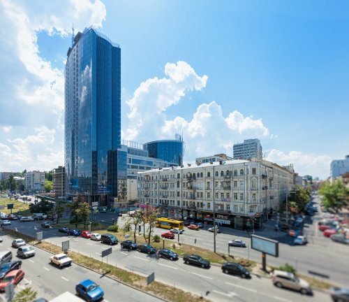 Rent luxury 1 bedroom apartment in Kiev at Baseina 11 with view