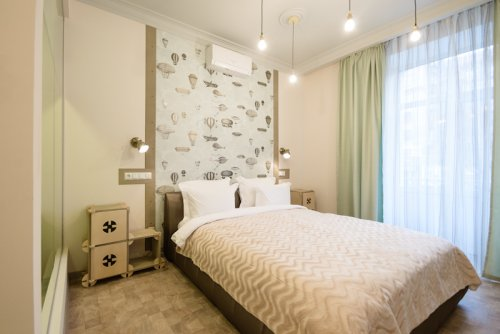 Rent luxury 1 room studio apartment in Kiev at Bessarabs'ka Square 5a
