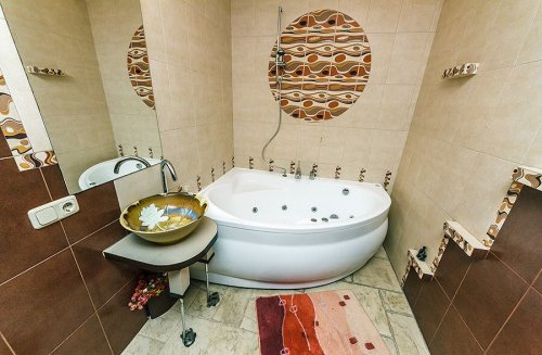 Rent luxury 1 bedroom apartment in Kiev at Esplanadna 2 with hot tub