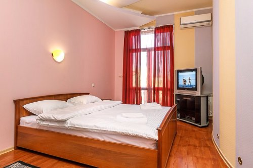 Rent 1 bedroom lux apartment in Kiev at Independence square