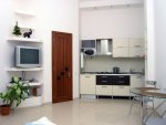 Rent lux studio apartment in Kiev at 32 Bogdana Khmelnitskogo St.