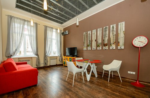 Rent luxury apartment in Kiev at 23 Krasnoarmeyskaya St.