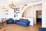 Rent VIP apartment in Kiev at 13 Kreshchatik St.