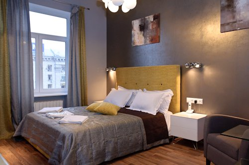 Rent luxury 1 room studio apartment in Kiev at Khreschatyk 17 near subway