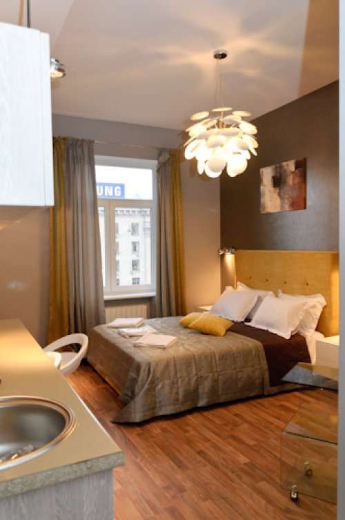 Rent luxury 1 room studio apartment in Kiev at Khreschatyk 17 near McDonald's
