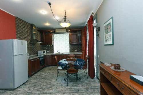 Rent apartment in Kiev at 17 Kreshchatik St.