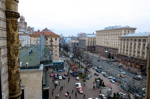 Rent luxury apartment in Kiev at 17 Kreshchatik St.