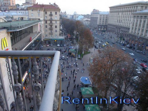 Rent VIP apartment in Kiev at 17 Kreshchatik St.