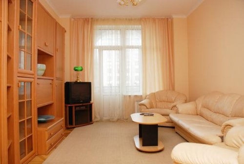 Rent 2-bedroom apartment in Kiev at 21 Kreshchatik St.