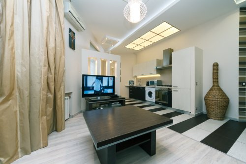 Rent luxury apartment in Kiev at Khreshcatyk 29
