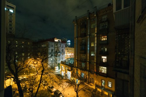 Rent 2 bedroom luxury apartment in Kiev at 29 Kreshchatik St. near Arena City