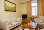 Rent 3-bedroom lux apartment in Kiev at 8-B Kreshchatik St. Maidan