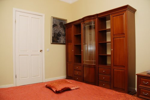 Rent 3-bedroom apartment in Kiev at 8-B Kreshchatik St. Maidan