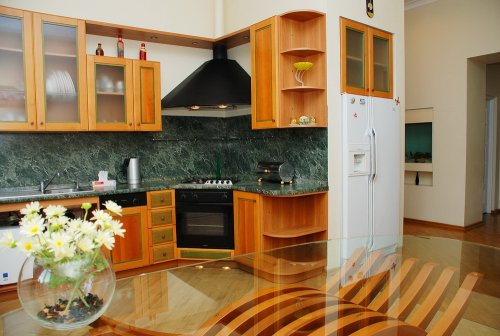 Rent apartment in Kiev at 12 Luteranskaya St.
