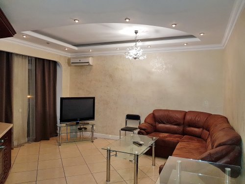 Rent lux 2 bedroom apartment in Kiev at 2 Shevchenko Blvd. Kreschatyk Arena City