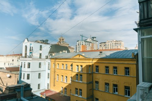 Rent lux 1 bedroom apartment in Kiev with a view on main street