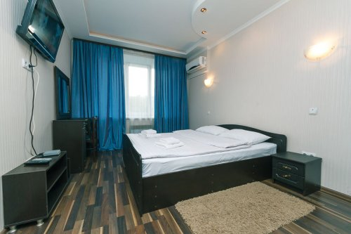 Rent luxury 2 bedroom apartment in Kiev at 54 Kreshchatik St.