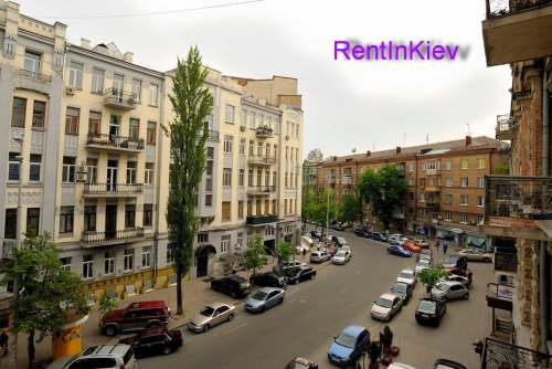 Rent VIP-apartment in Kiev 3 bedrooms at 20 Shota Rustaveli St.