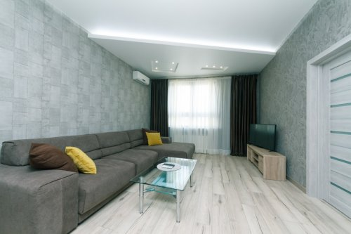 Rent luxurious 2 bedroom apartment in Kiev at 44 Shota Rustaveli street