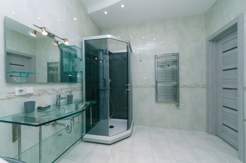 Rent luxury 2 bedroom apartment in Kiev on Shota Rustaveli 44 shower cabine