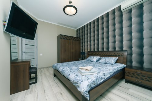 Rent luxury 3 room apartment in Kiev on Shota Rustaveli 44 beautiful bedroom