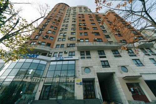 Rent luxury 2 bedroom apartment in Kiev at 44 Shota Rustaveli new building