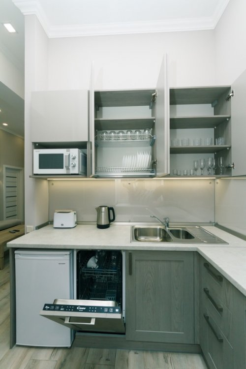 Rent 2 bedroom apartment in Kiev on Sofiivska 1 with nice kitchen