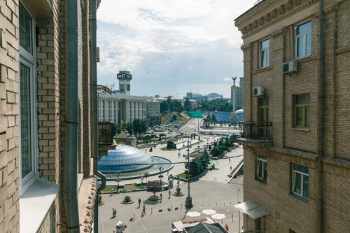 Rent nice 2 bedroom apartment in Kiev on Maidan with great view