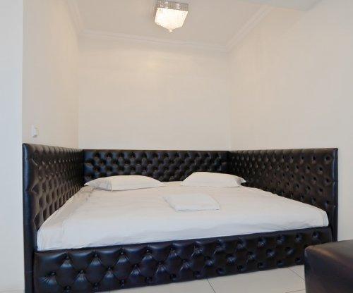 Rent VIP apartment in Kiev at 2 Sofiyevskaya St.
