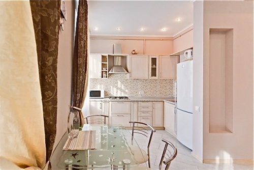 Rent apartment in Kiev at 5-A Tolstogo St.