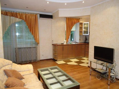 Rent apartment in Kiev Ukraine at 3 Trehsvyatitelskaya St.