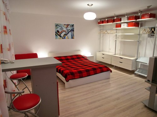 Rent studio lux apartment in Kiev at Volodymyrska 76