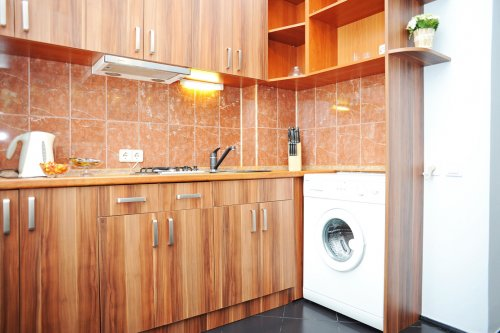 Rent 1 room studio lux apartment in Kiev at Khreschatyk 25 near fountain