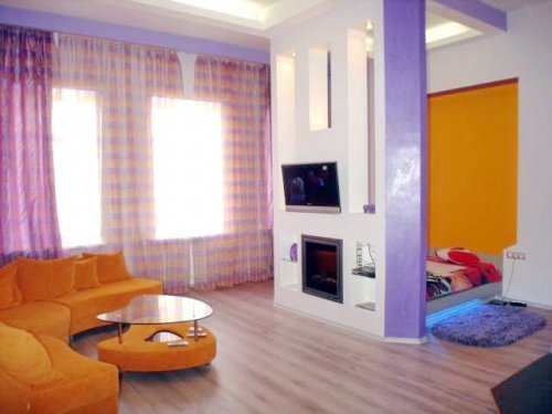 Rent luxury studio apartment in Kiev at 33 Saksaganskogo St.