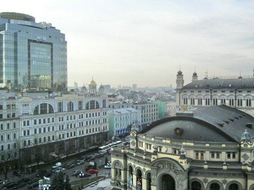Rent 3 bedroom apartment in Kiev at 51 Vladimirskaya St.